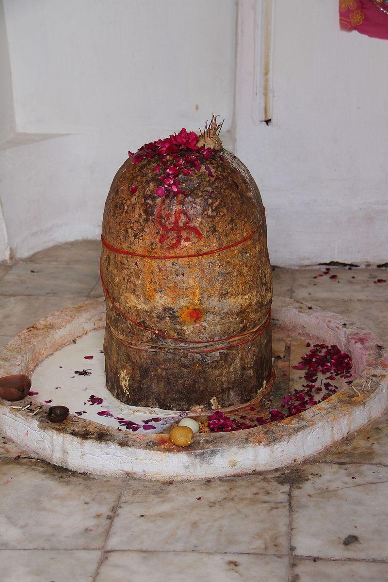 Katas_Raj_Temple,_Lahore24